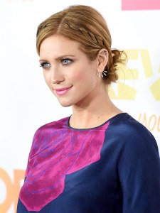 Brittany Snow: bobby pin crown